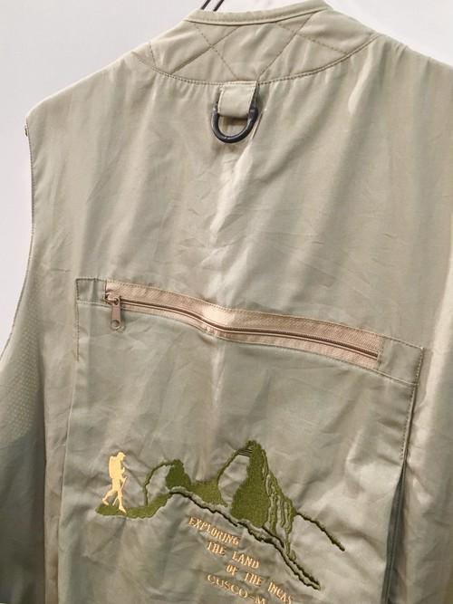 SERTURAN : back embroidery fishiing vest (used)