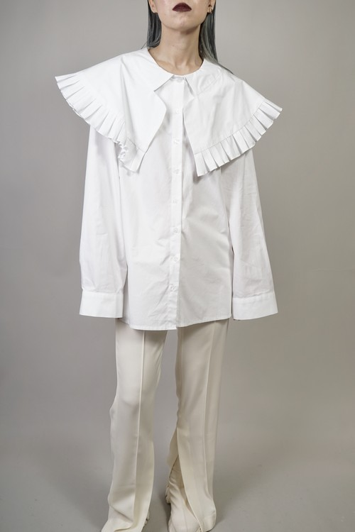 PLEATED LOW COLLAR SHIRT  (WHITE)  2103-94-1010