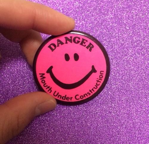 ピンク スマイル 缶バッジ