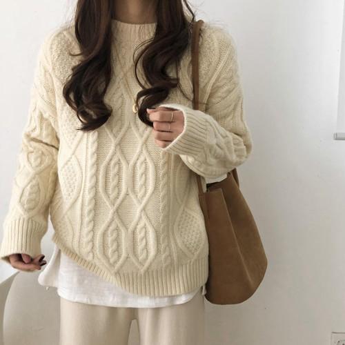 【送料無料 】冬の大人ニット ♡ きれいめ 大人可愛い シンプル 無地 ケーブル編み 丸首 セーター プルオーバー  トップス