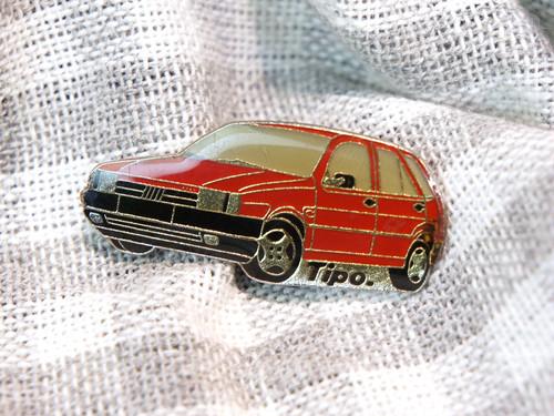 【Vintage品】Pinバッジ FIat Tipo (160)