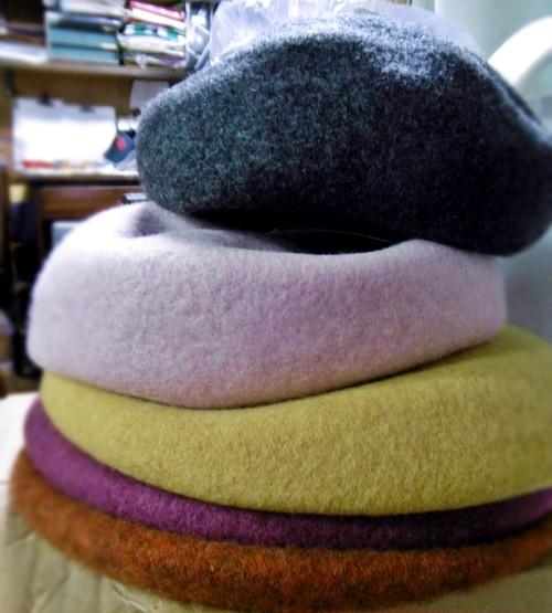 B2910-09 リブ編み腰つきベレー帽