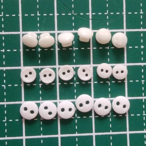 4mm ドール用ボタン 2つ穴 オフホワイト 6ケ