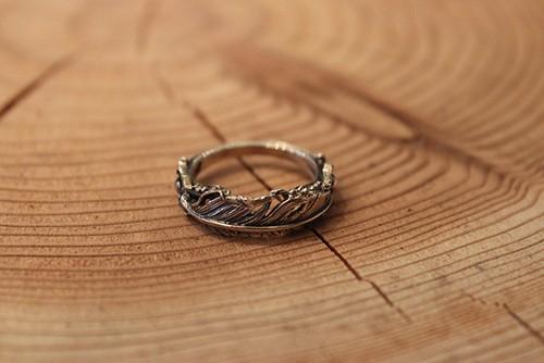 Designers Jewelry buff アンティークフェザーリング