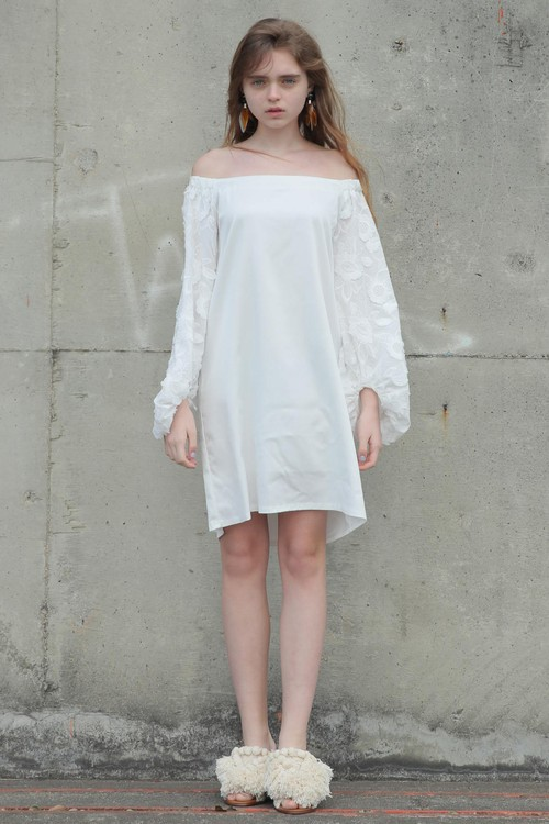 solid lace off the sholder dress /(white)【ご予約商品】