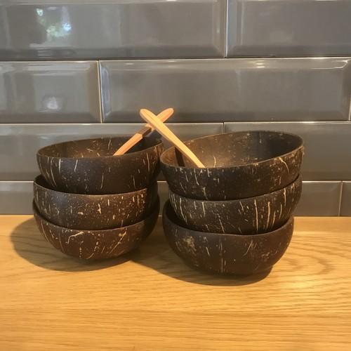 ココナッツボール 4個セット Coconut Bowls & Wooden Spoons : Set of 4