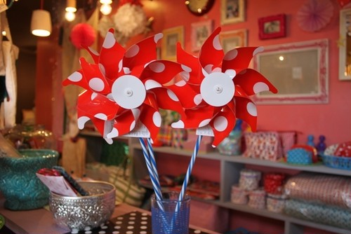 Windmill Dots red