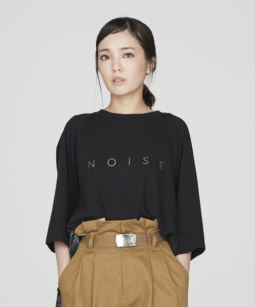 バックプリーツロゴTシャツ(ブラック)