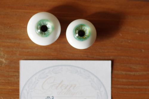 【B】《オッドアイ》約17.3mm+16mm2079★瞳孔ずれあり・泡あり★アイの大きさ左右差大