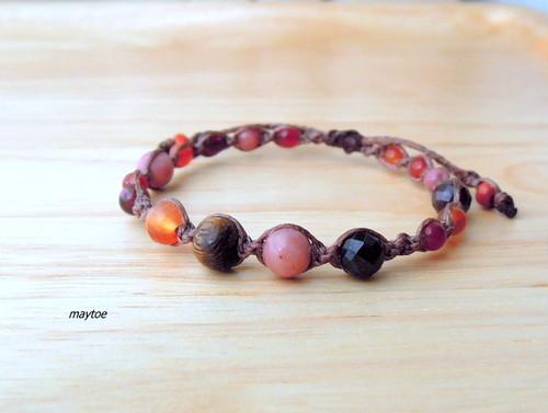 Berry Forest*ガーネット&ロードナイト -天然石マクラメブレスレット