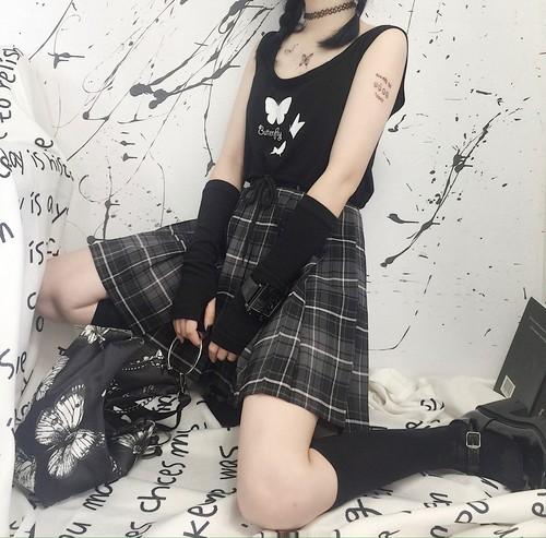 ゴスロリ系 ノースリーブ シャツ CREZY GIRL バタフライ 病みかわいい  原宿系 韓国 オルチャン 10代 20代