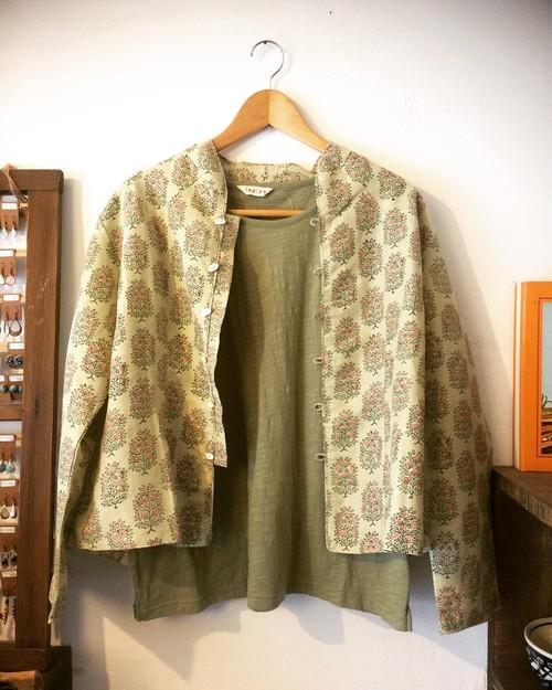 リネン100%草木染めウッドプリント長袖柄シャツ