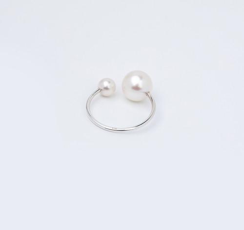 Hirotaka ヒロタカ / Pearl Ear Cuff (WHITE GOLD)