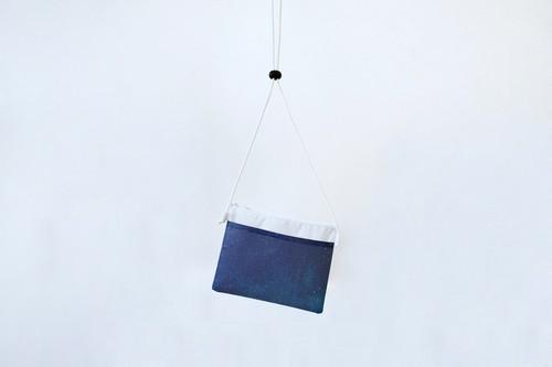 【 S A L E 】藍色の空の、サコッシュ