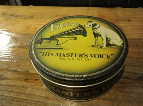 1970s Victor tin can  HIS MASTERS VOICE