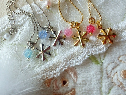 雪の結晶のドール用ネックレス