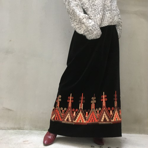 70's velours hand embroidery skirt