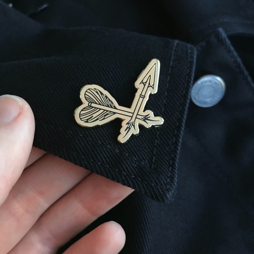 LIFE CLUB'Broken Arrow' Hard Enamel Pin