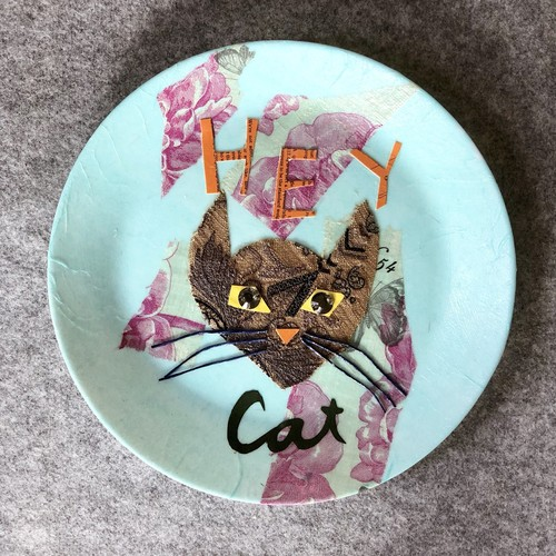 【UPCYCLE】 DECOPAGE PLATE HEY CAT blue