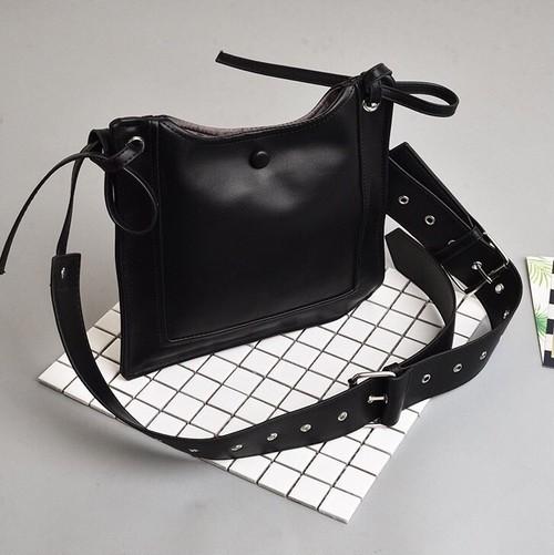 No.D45 デザイン サコッシュ ショルダーバッグ