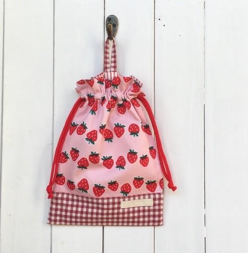 給食袋 マチなし ピンクいちご柄×赤ギンガムチェック