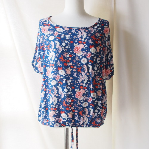 【SALE】blue×oriental flower tops