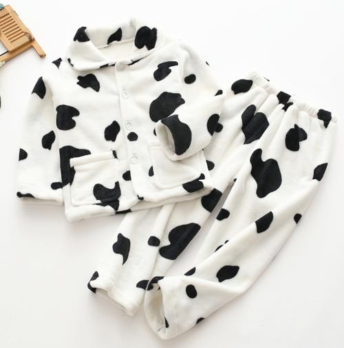 【男女兼用】キッズ秋冬あったかパジャマ♡牛柄ホワイト