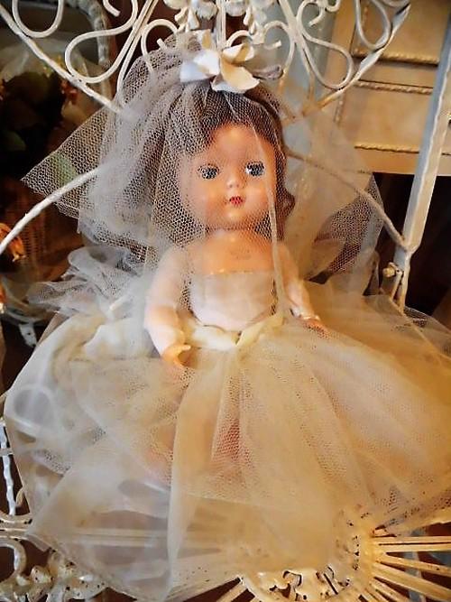 D29-103 Bride doll