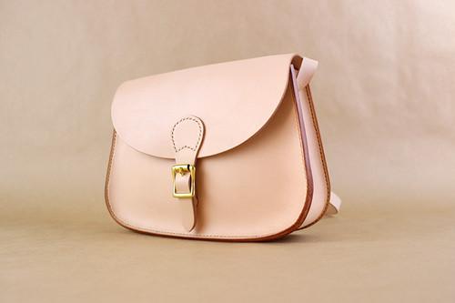 JAPAN LANSUI DESIGN 名入れ対応 ヌメ革手作り手縫い ショルダーバッグ 品番QS8ETY87332DS