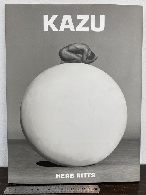 サイン KAZU   HERB RITTS