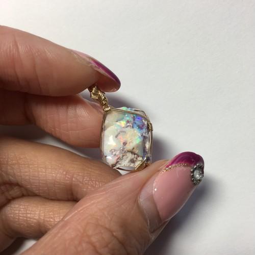 NEW!!【小さなオパール原石】女神巻きペンダントトップ