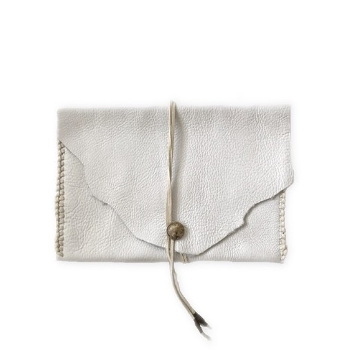 SALE! Concho clutch bag (white)