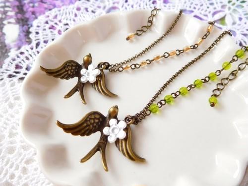 花運び鳥のアシンメトリードール用ネックレス