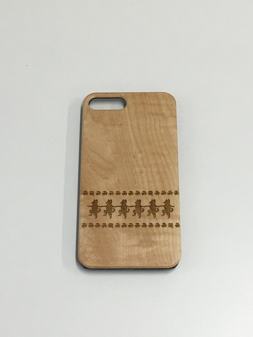 木製iPhoneケース わんこラインダンス