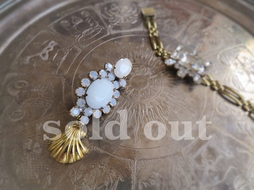vintage pin brooch <bijou shell 1>