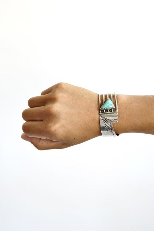 "Navajo Artist "" Roger Skeet "" - Carico Lake Turquoise Sterling Silver Bracelet 1970's"