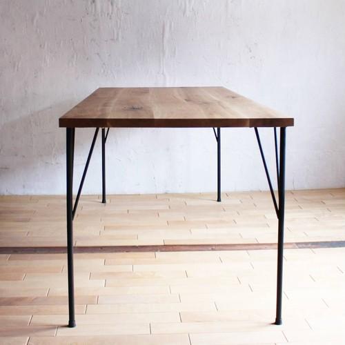 オーク材のアイアン脚テーブル
