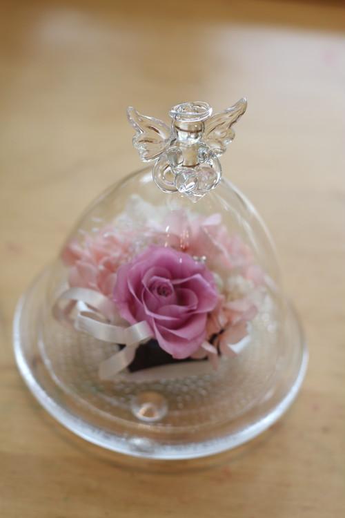 プリザーブドフラワーの贈り物 ロゼオーンジュ(天使のガラスドームアレンジ)プリティピンク