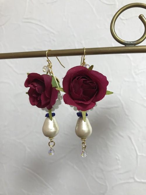 情熱の赤い薔薇&雫コットンパールピアス