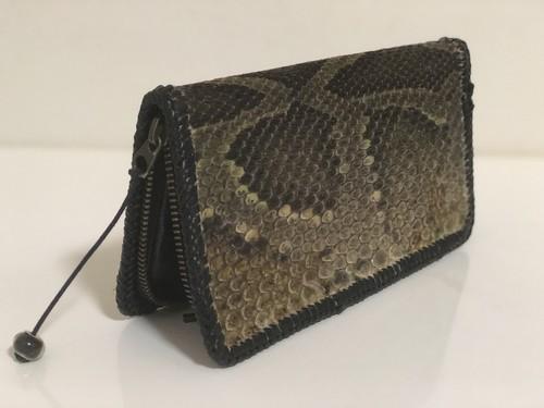 【送料無料】蛇革の長財布 黒