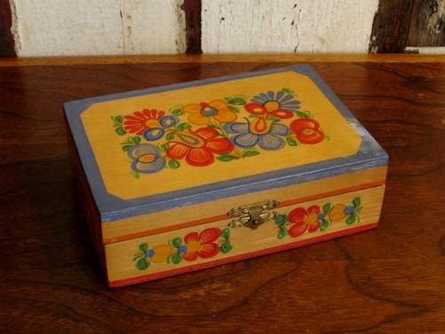 ドイツの古い木箱・お花のハンドペイント [ドイツ/アンティーク]