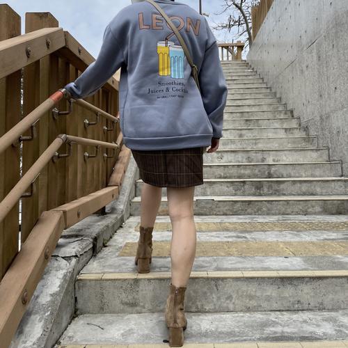 ストリートバックロゴセーター