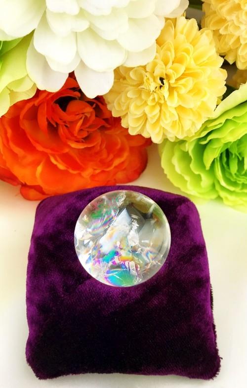 4/3新着★豊かさと幸せを運ぶ虹★天然レインボー水晶玉★台座付き(34mm)①