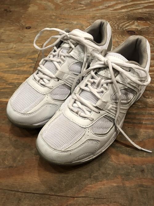 "British military training shoes ""Magnum"" white color size UK10"