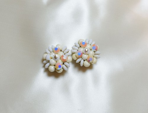 VINTAGE white beads earring