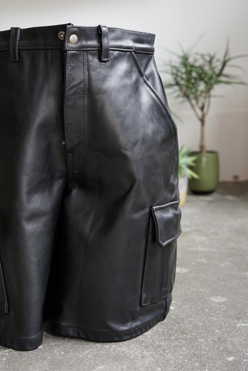 <SOLD OUT>Bull Hide Leather Cargo Shorts - VTG