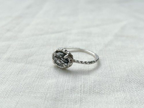 Line ring gem sv925 tourmaline in quartz