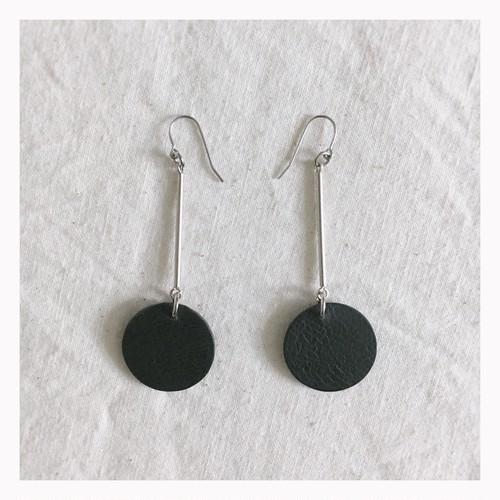 ---● pierce / black