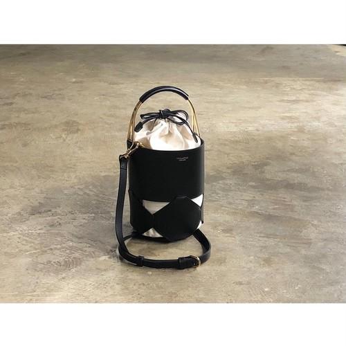 VIOLAd'ORO(ヴィオラドーロ) 『BONITO』Cut Work Leather 2Way Handbag