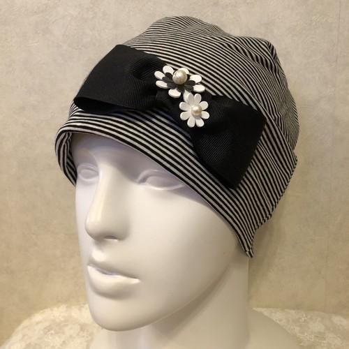 おリボンとお花のケア帽子 白黒細ボーダー